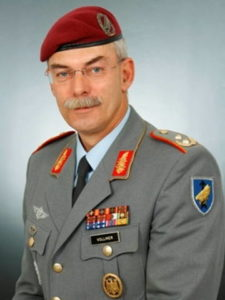 генерал-лейтенант Йорг ВОЛЛМЕР