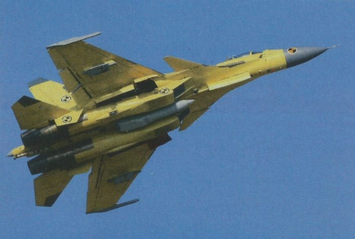 Истребитель «Цзянь-15» с УПАЗ-1М