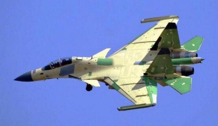 Палубный самолет РЭБ «Цзянь-15D»