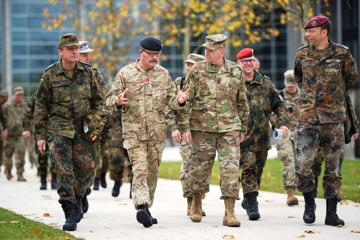 Генерал Ходжес посетил учебный центр инженерных войск бундесвера