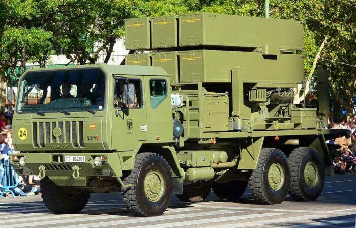 Пусковая установка ЗРК NASAMS 2 на марше