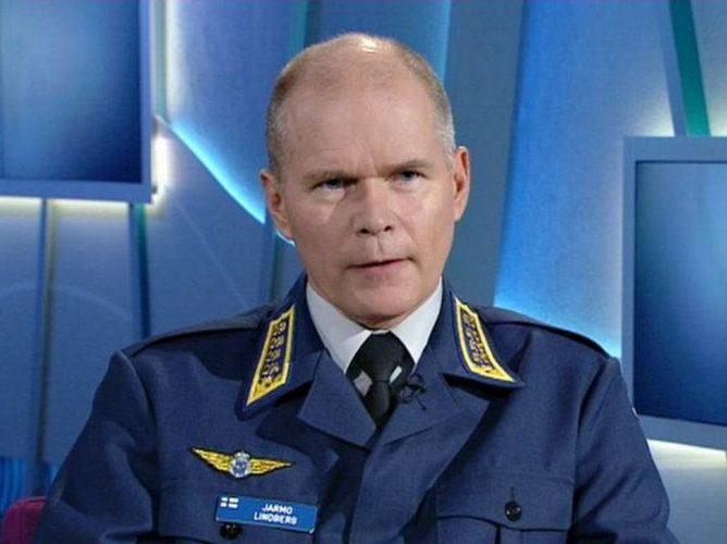 Главнокомандующий силами обороны Финляндии Ярмо ЛИНДБЕРГ