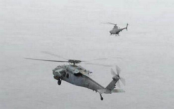 БПЛА MQ-8B Fire Scout в паре с пилотируемым вертолетом MH-60