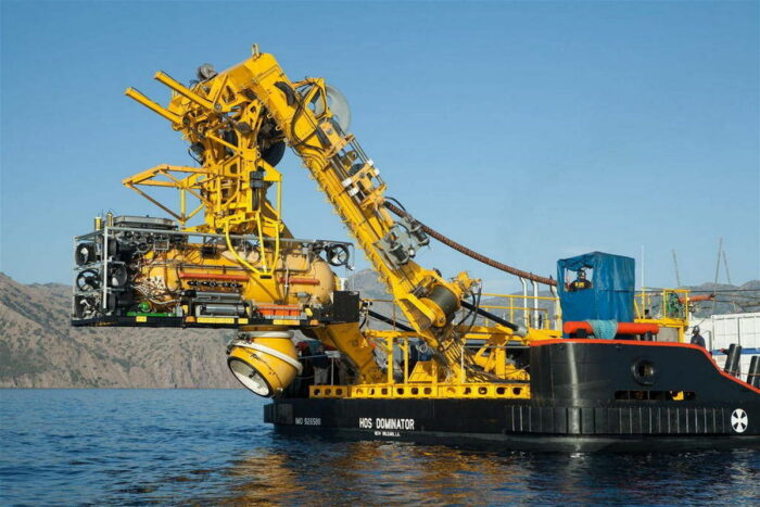 Оборудование для глубоководных работ на борту HOS DOMINATOR