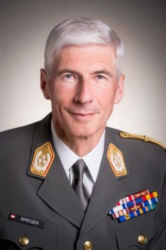Генерал Роберт  БРИГЕР