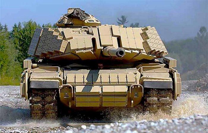 Танк с динамической броней