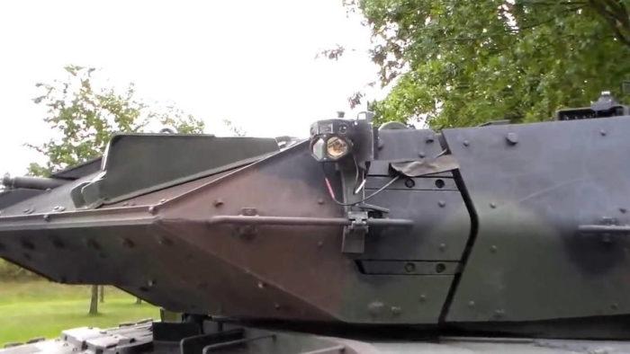 "Оборудование ""АГДУС""на башне танка ""Леопард 2"""