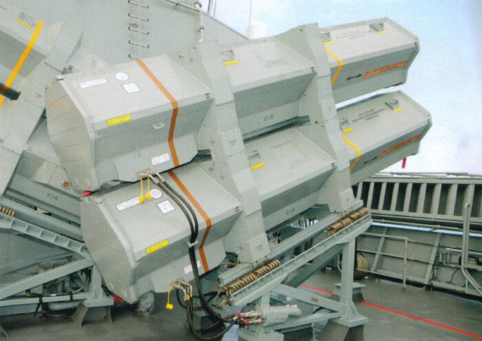 ПУ Mk3 с ракетами RBS15 на борту корвета