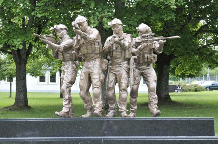 Памятник на территории военного городка KSK