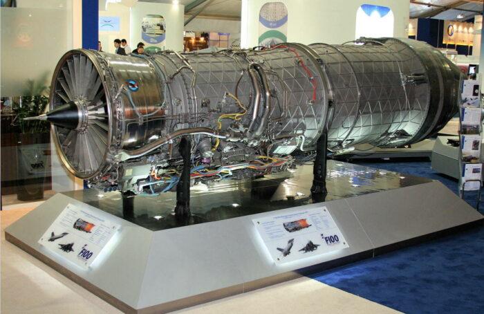 Двигатель F-100PW-229