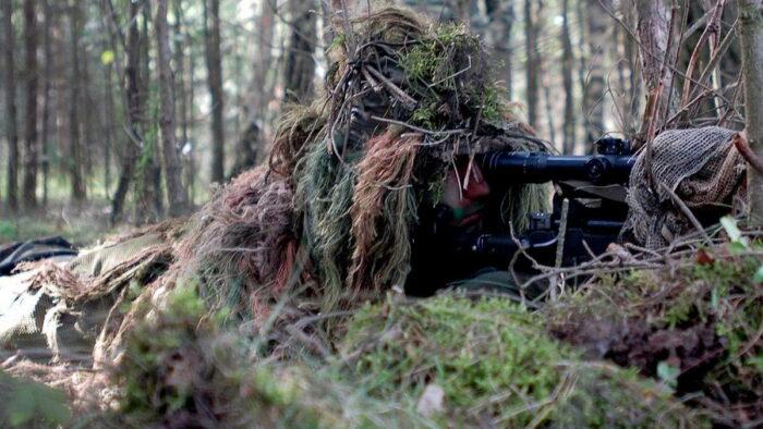 Снайпер KSK на позиции
