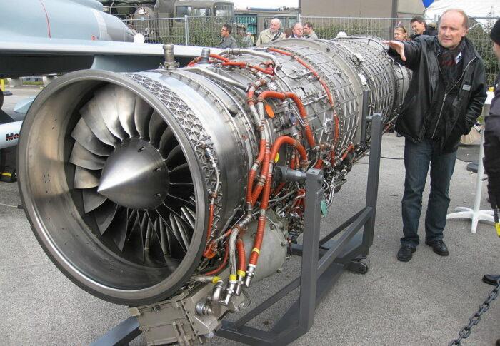Двигатель EJ200