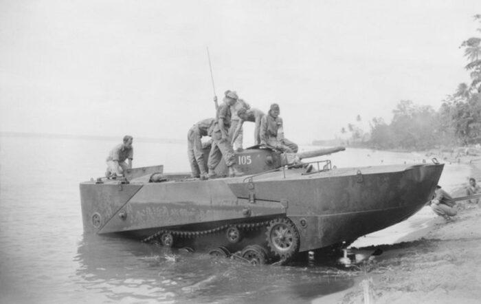 Японский плавающий танк тип 2 Ka Mi