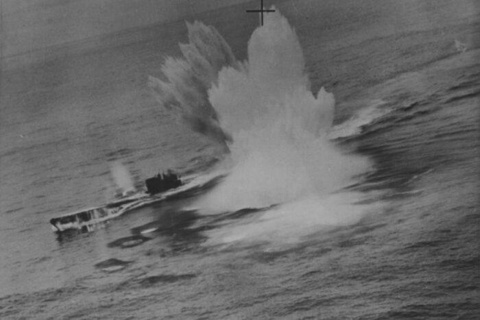 Атака немецкой пл канадскими бомбардировщиками в северной Атлантике