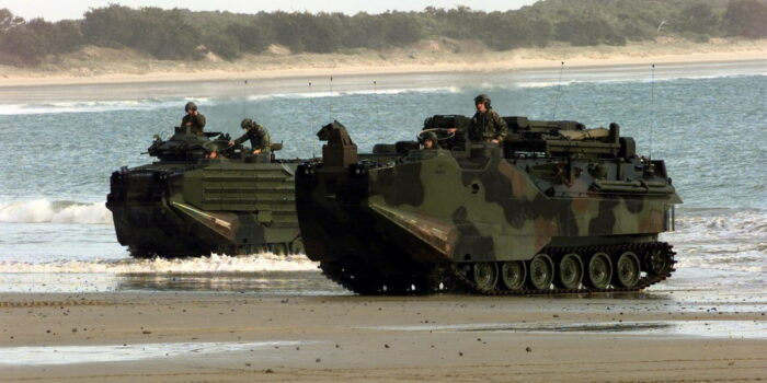 Плавающая боевая машина десанта AAV7A1
