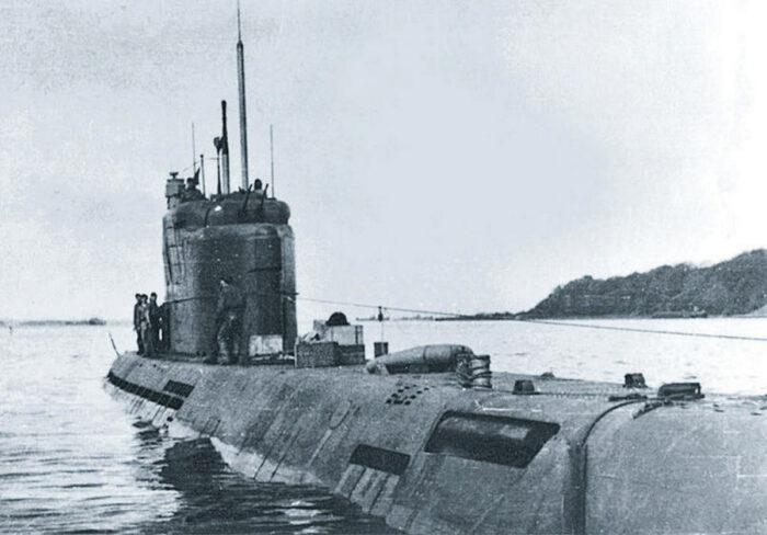 Лодка U 3505 выходит в учебный поход. Пл принята в состав флота 7 октября 1944 г. Потоплена авиацией союзников 3 апреля 1945 г.