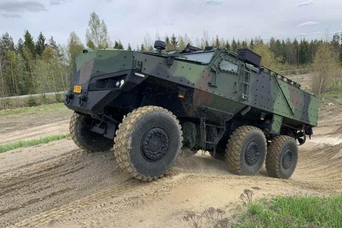 Первый защищенный автомобиль Protolab PMPV для ВС Финляндии.