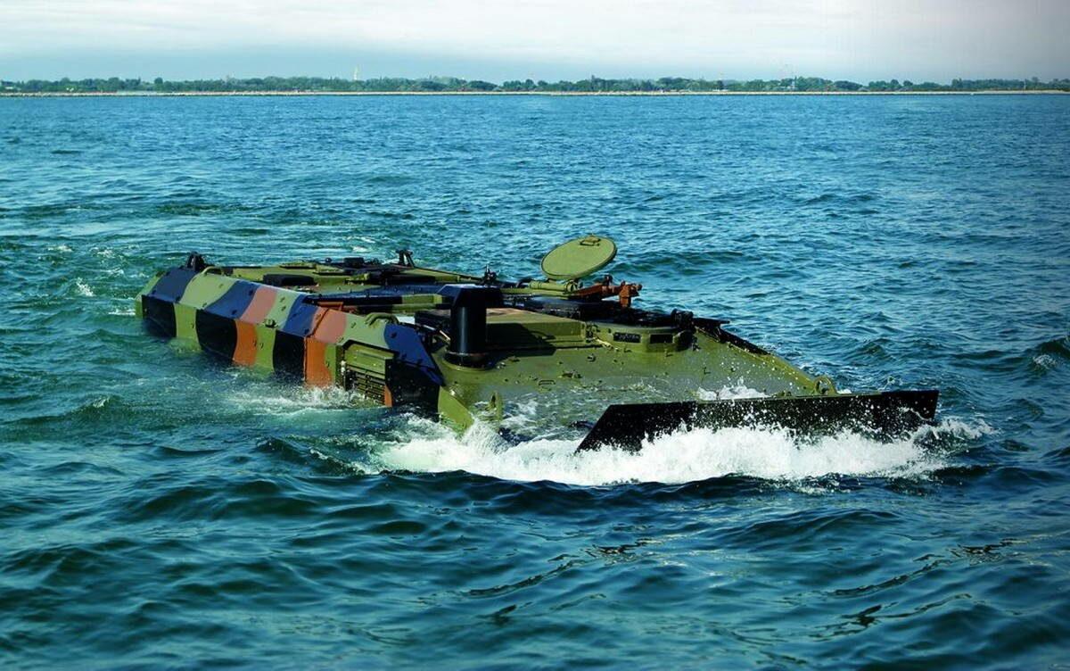 ACV развивает на воде скорость до 16 км/ч