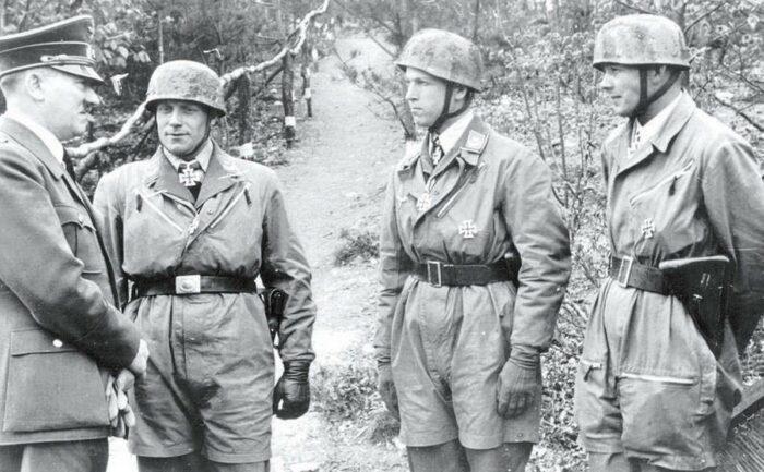 Встреча Гитлера с участниками операции по захвату бельгийского форта Эбен-Эмаэль