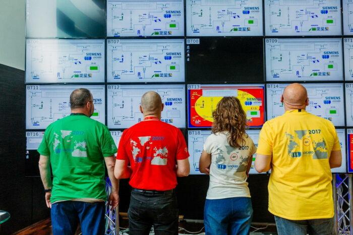 Сложная цветовая гамма киберучения
