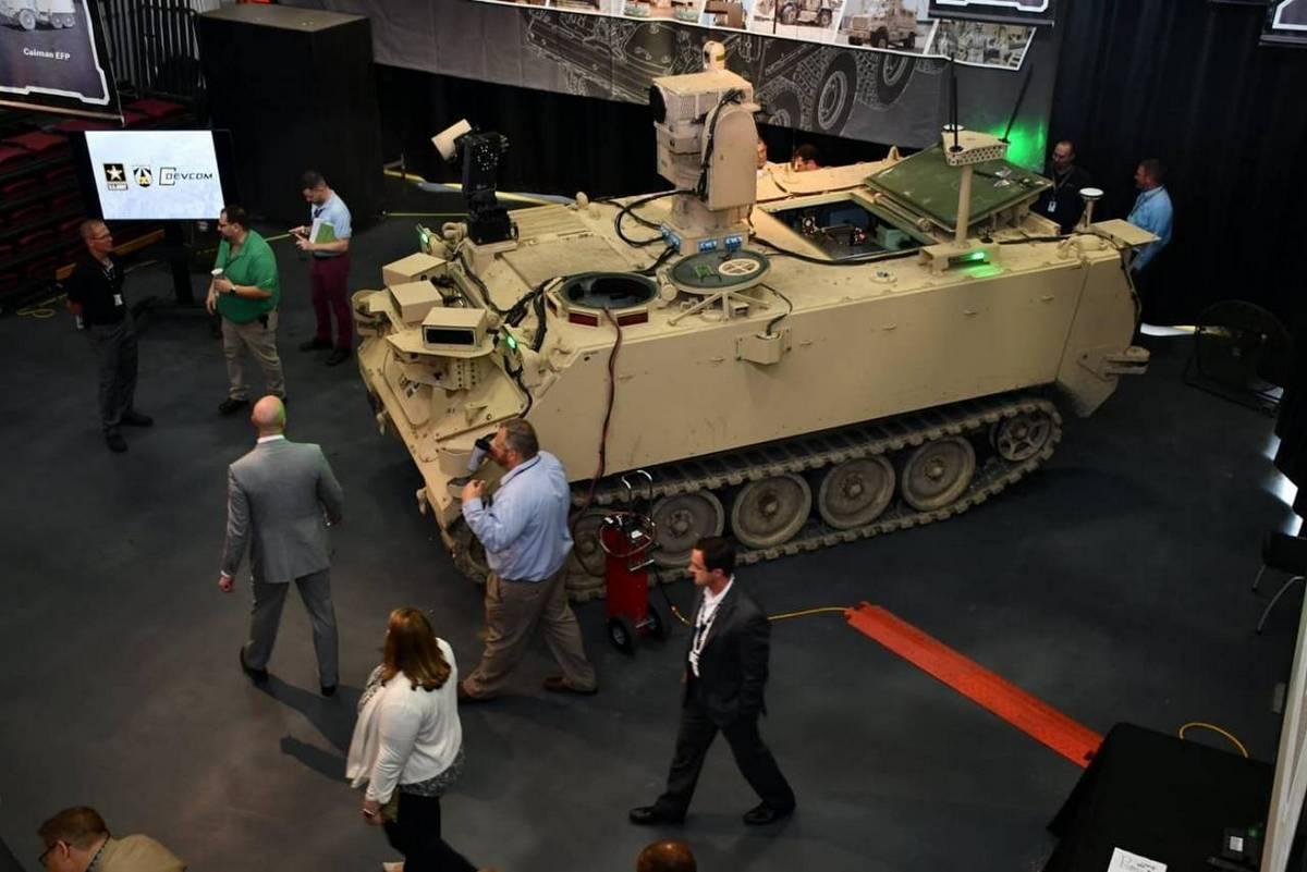 F7-Robotizirovannaya-BM-RCV-na-baze-BTR-M113.jpg