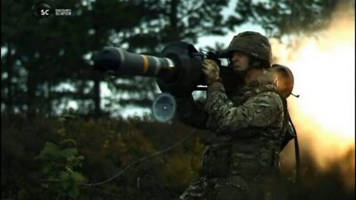 Выстрел из противотанкового средства NLAW