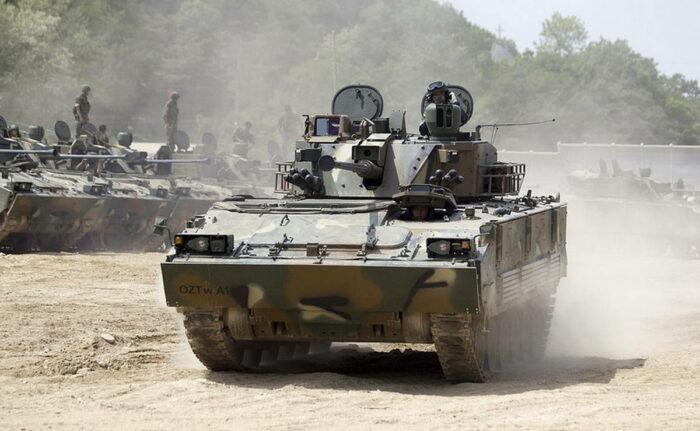Армия Австралия выбирает новую БМП