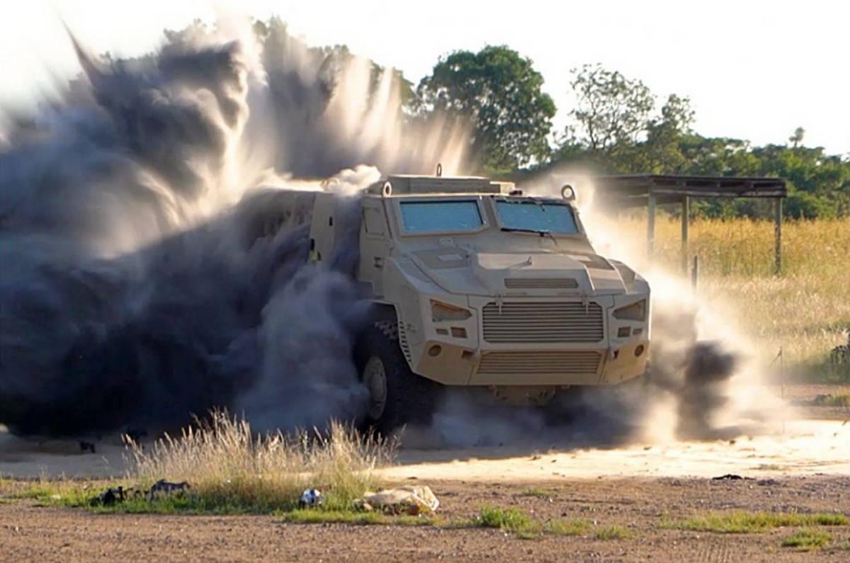 Бронеавтомобиль Mbombe 4 выдержал экзамен на подрыв