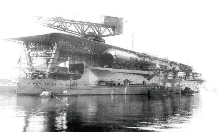 "Будущий авианосец ""Кага"" на рубеже 1928 г."