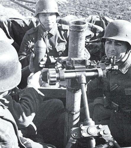 Экипаж БТР 251/2 с минометом sGrW 34