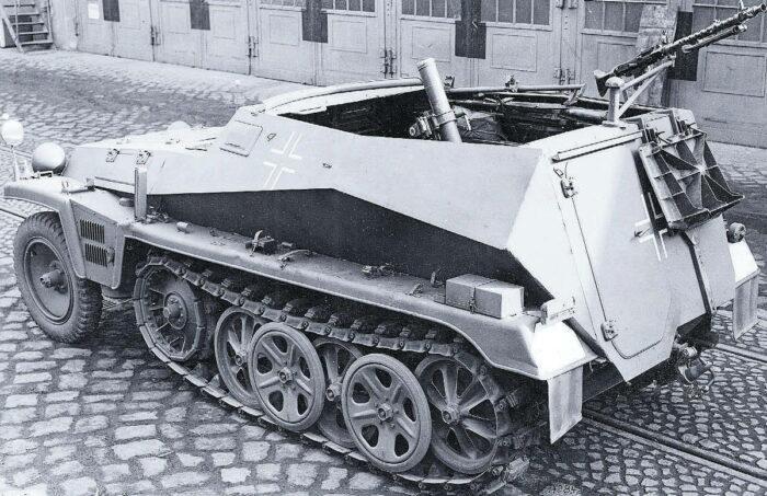 Легкий БТР SPW SdKfZ 250/7 с 8-см минометом на борту
