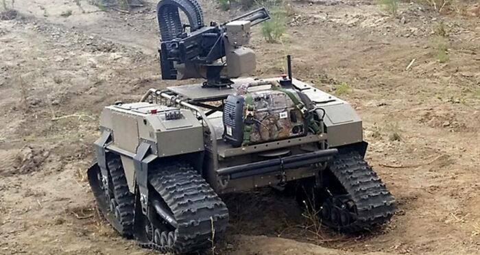 Военные роботы семейства MUTT состоят из транспортных средств с гусеничным или колесным шасси