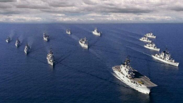 Корабельная группа ВМС США в море