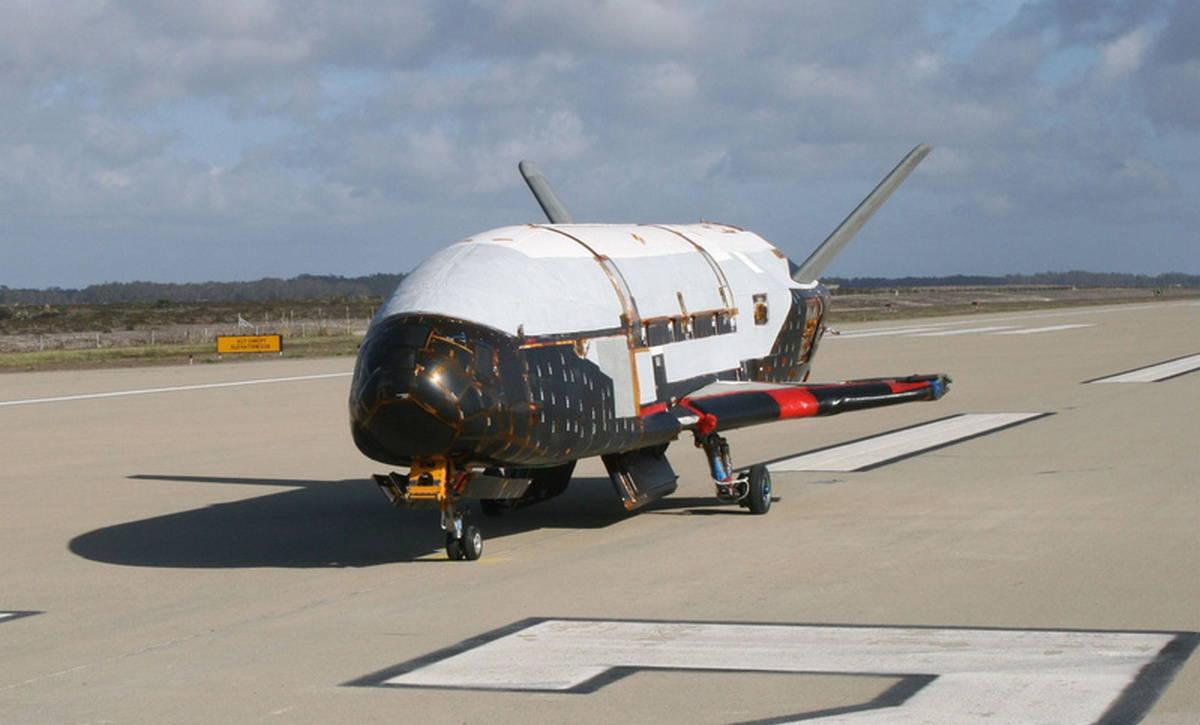 Китай провел первые тесты орбитального самолета