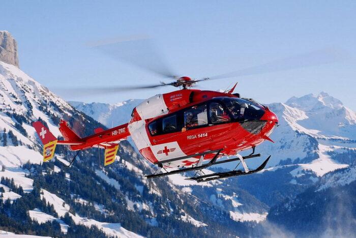 Вертолет EC145 службы спасения Швейцарии
