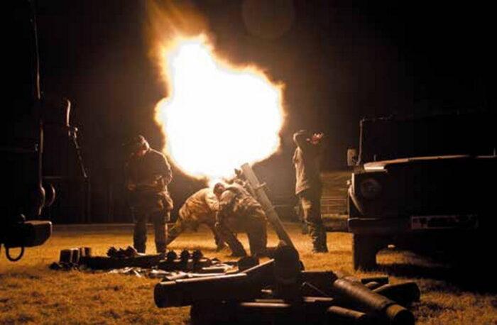 Ночные минометные стрельбы из 120 мм миномета