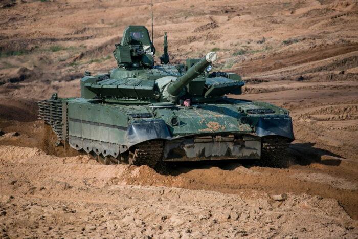 Боевой танк России T-80БВМ