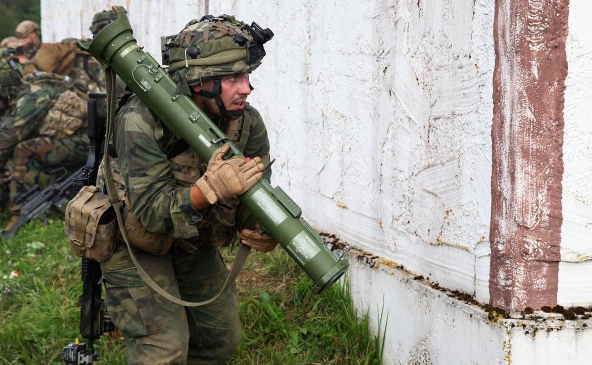 Латвия инвестирует в дополнительную противотанковую оборону