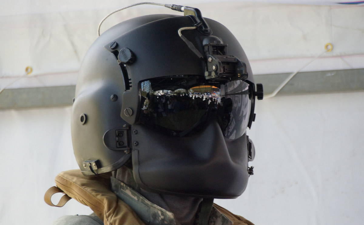 Бундесвер заказал новый серийный шлем для пилотов вертолетов