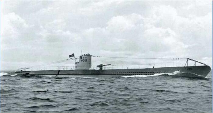 Подводная лодка тип VII А в открытом море