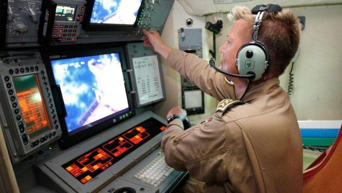 Разведка ВМС Германии. Место оператора P-3 Орион