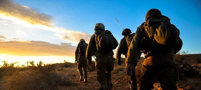 Армия обороны Израиля на тренировке