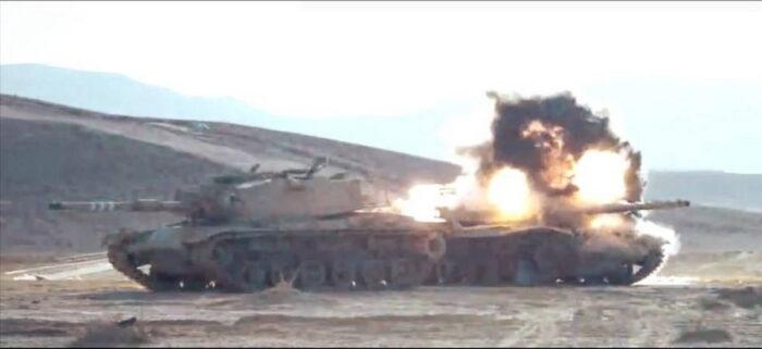 Поражение танка ПТУР Spike SR