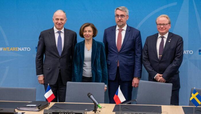 Подписание инициативы Чехией и Швецией