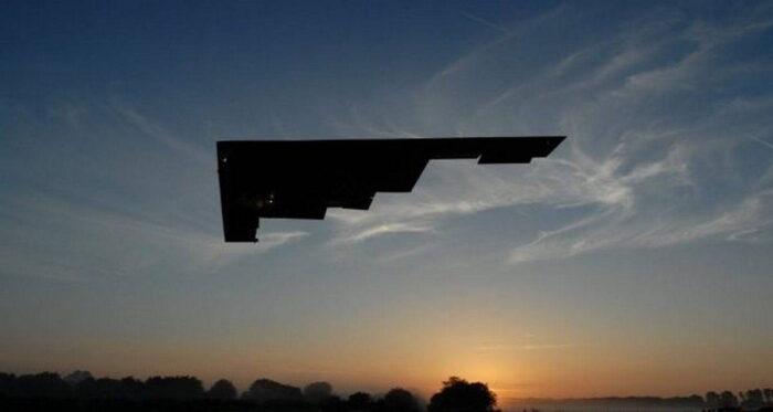ВВС США показали новый вид бомбардировщика B-21 Raider