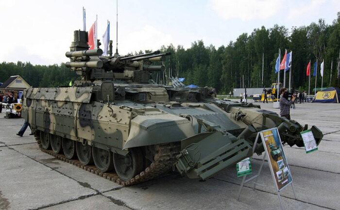 """Боевая машина поддержки танков """"Терминатор"""" создана на опыте войны в Чечне"""