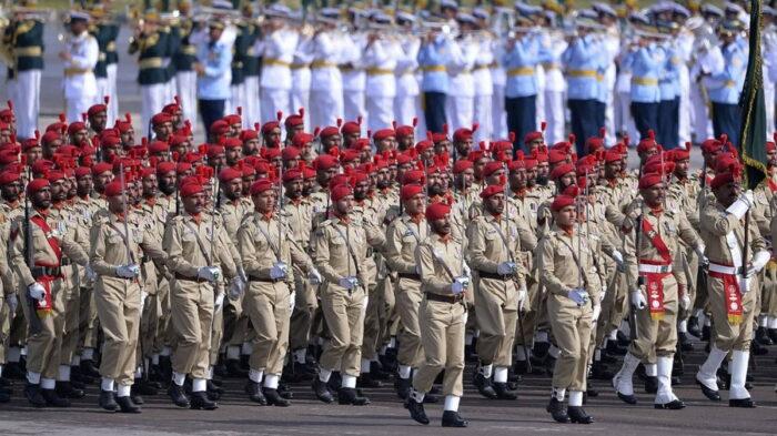 Армия Пакистана на параде