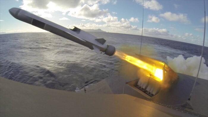 Пуск противокорабельной ракеты Naval Strike Missile