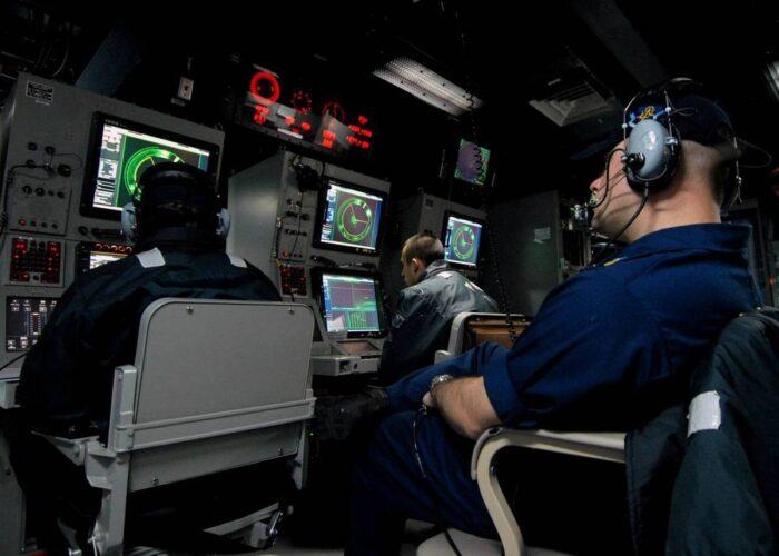 Боевые посты ASW системы управления AN/SQQ-89