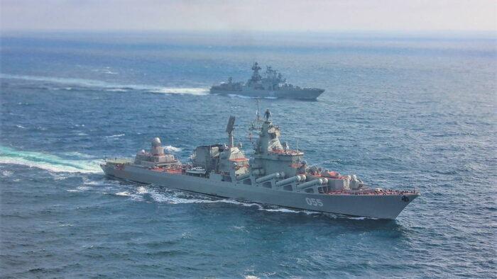На совместных учениях двух флотов России